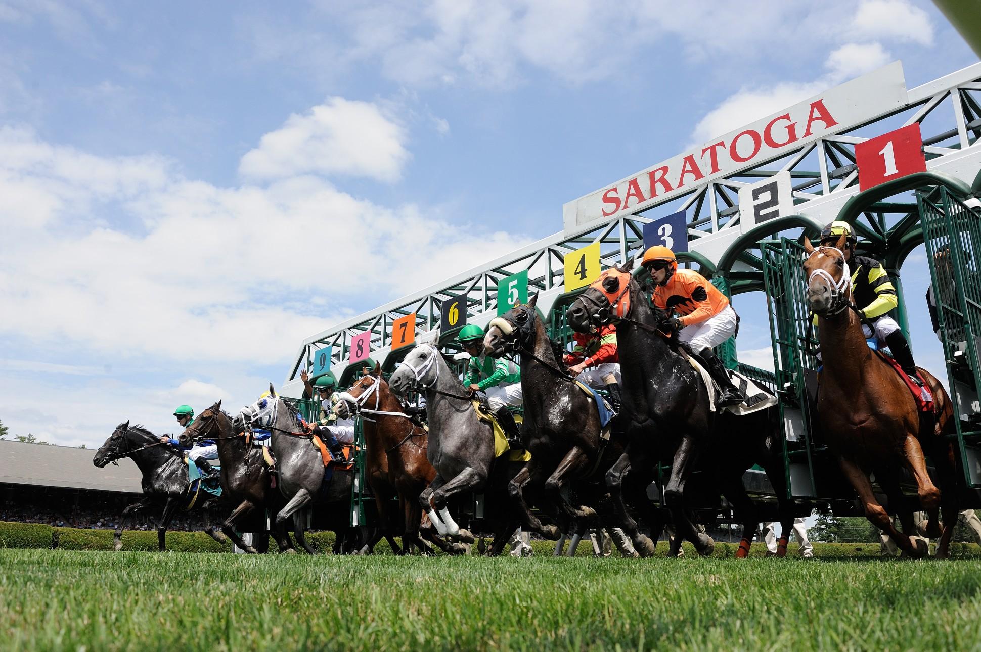 Saratoga-racing